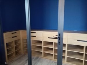mobilier vernis incolore
